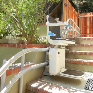 handicare-2000-curved-stair-lifts-for-outdoor-use